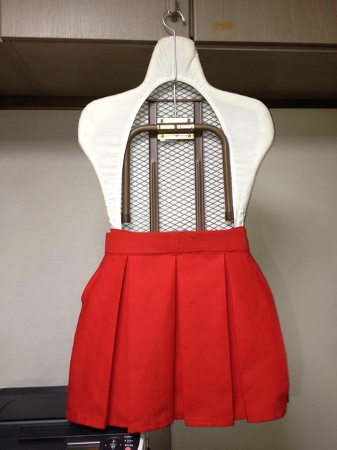 スカート背面