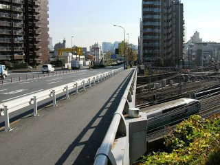 新八ツ山橋 : よこはま12番線