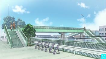 04-1827 へいわだい跨線人道橋