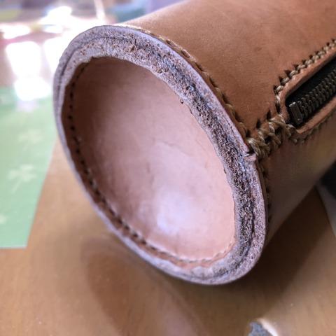 CB缶用革カバーの底部