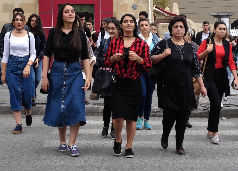アゼルバイジャン 女性