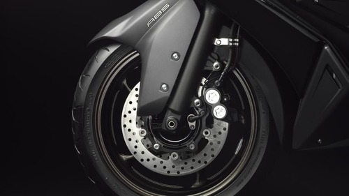 2012-Yamaha-T-MAX-ABS-EU-Sonic-Grey-Detail-004_gal_full