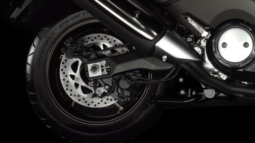 2012-Yamaha-T-MAX-ABS-EU-Sonic-Grey-Detail-006_gal_full