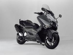 Yamaha_TMax_ABS_2012a_14