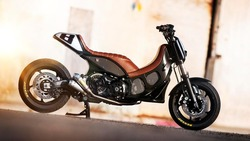 2012-Yamaha-TMAX-Hyper-Modified-by-Roland-Sands-EU-NA-Static-001
