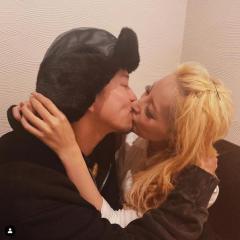 加藤紗里、新恋人とキス写真公開「幸せにしてね #ジャックポット」
