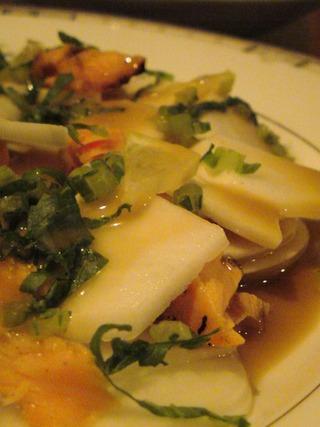 カブと鮭のサラダ