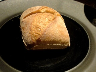 トリュフムースを天然酵母パンで
