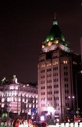 和平飯店ライトアップ
