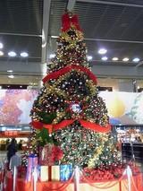 ディズニークリスマスツリー@成田空港ターミナル2出発ロビー