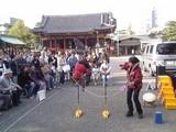 お猿さんのハイジャンプ@浅草神社