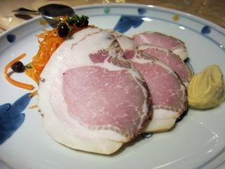飯山産地豚を1ヶ月塩漬けにして作る手づくりハム