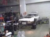 レストア作業中のトヨタ2000GT
