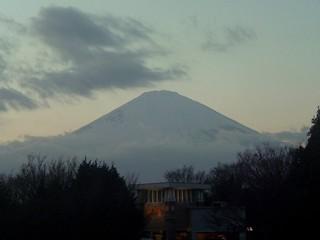 御殿場アウトレットから見た夕方の富士山
