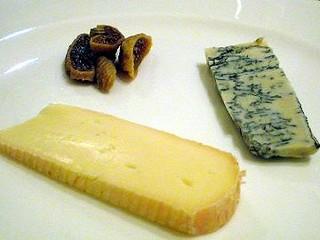 ゴルゴンゾーラチーズと白糖酪恵舎のロビオーラ