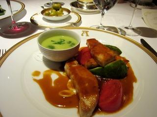 メカジキのポワレとグリンピースのスープ