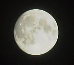 gigashotで撮った満月をトリミング