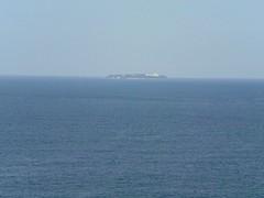 アカオビーチリゾートから眺める初島