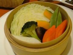旬の蒸し野菜 三種のソースで