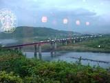 東名富士川SAスターバックス店から観る富士川風景