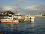 海峡交番前の港から見る関門大橋