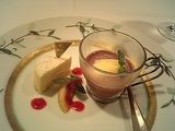冷たいチョコレートスープとカマンベールのムース