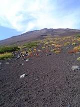 富士表口5合目から山頂を望む
