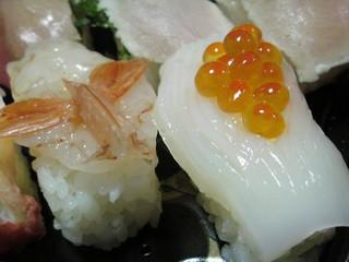 DSC03379a-sushi-botanebi-ikura-ika