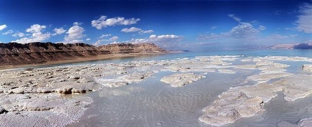dead-sea-salt-crystals-7 [2]