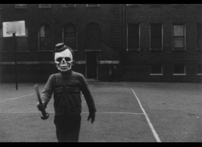 terrifying_vintage_costumes_08