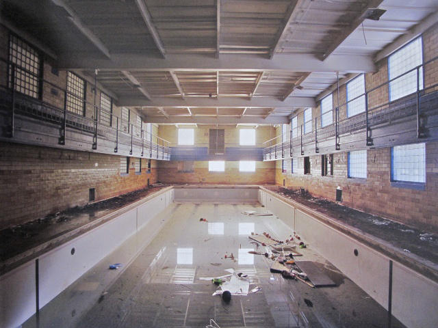 the-ruins-of-detroit-public-swimming-pool