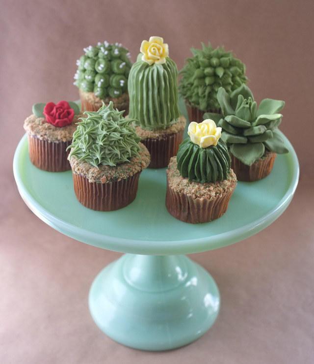cacti-cupcakes-1