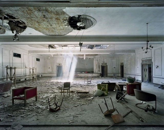 the-ruins-of-detroit-american-hotel-ball-room