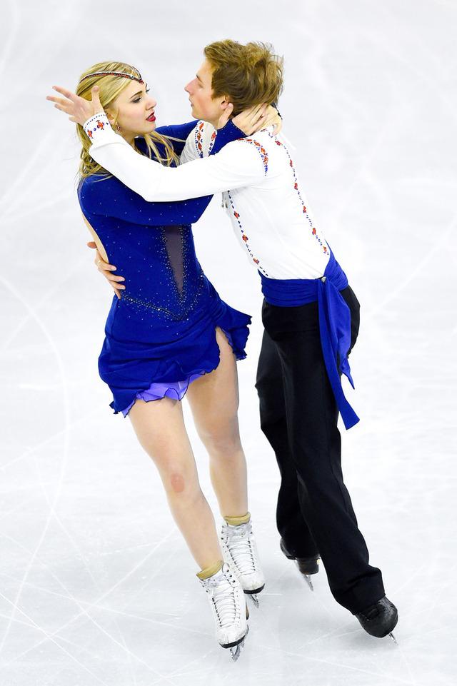 Mackenzie+Bent+ISU+Grand+Prix+Figure+Skating+36oy-UL2z3Mx
