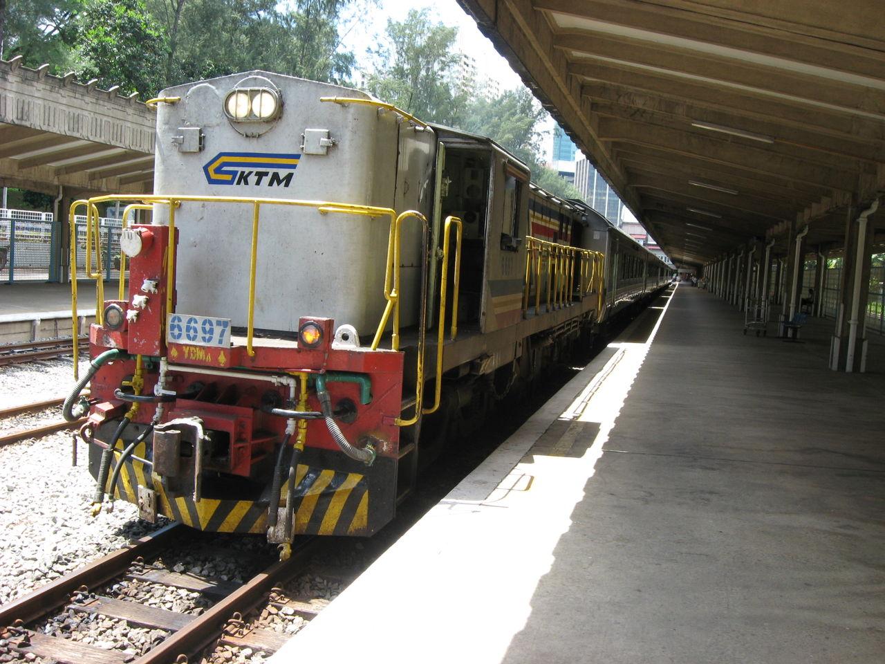 ウッドランズ駅