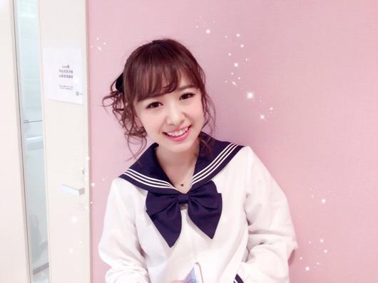 平松可奈子(26)の制服姿!
