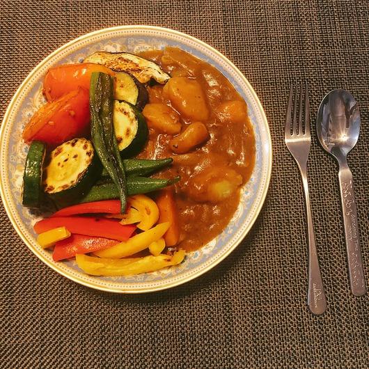 野島樺乃がつくった夏野菜カレーが美味しそう