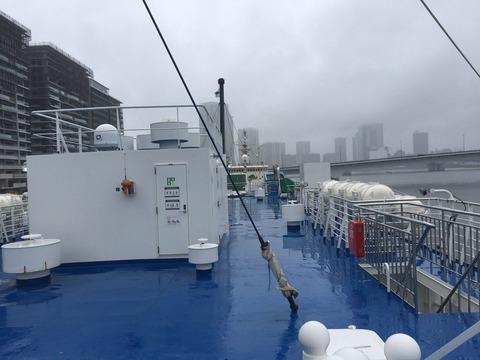STU船、東京に襲来