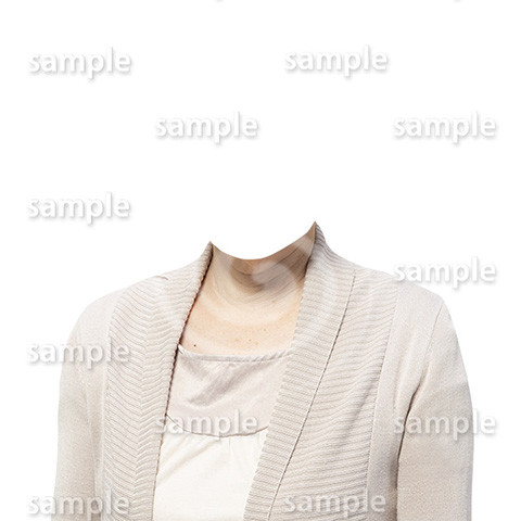 C126-遺影素材-ベージュの服