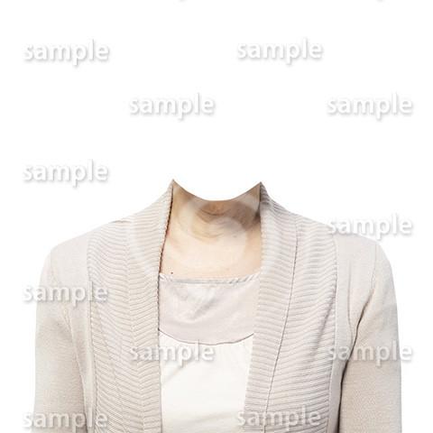 C127-遺影素材-ベージュの服