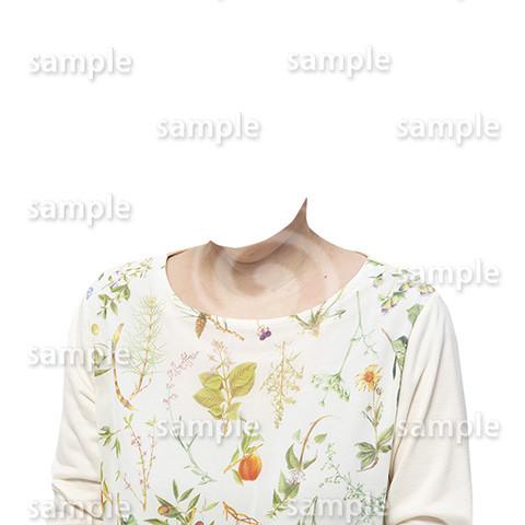 C132-遺影素材-花柄の服