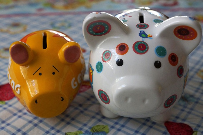 piggy-bank-1344135_1920