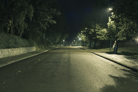 lonely_street_at_night_by_malrynn