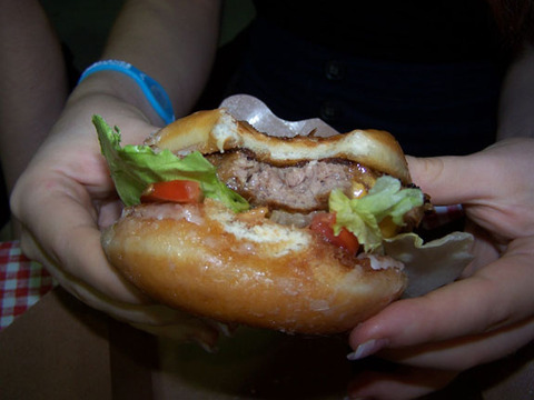 cne-food-donut-burger2