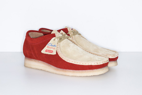 SUPREME CLARKS 2TONE WALLABEE