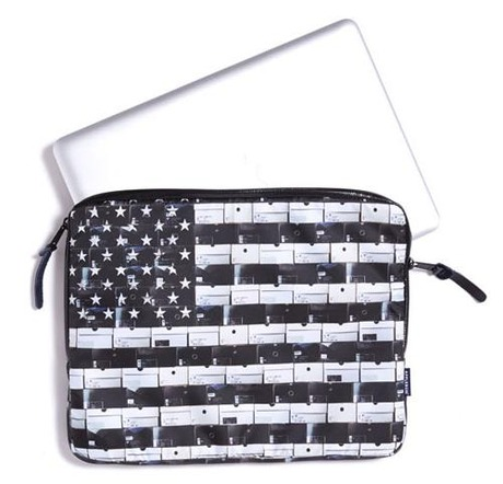 APPLEBUM BLACK STARS STRIPES CLUTCHBAG