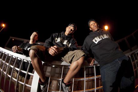 CREPEMAN  SILVER ARCH LOGO PARKA 3 MEN AND A CREPEMAN feat OMSB'Eats, JUMA, USOWA from SIMI LAB