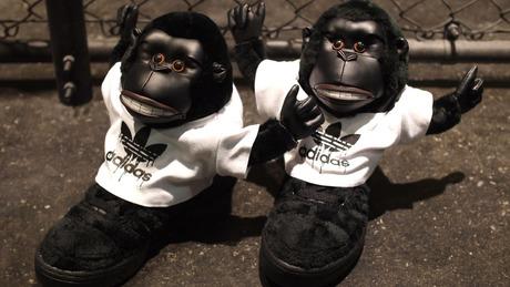 アディダス adidas JS GORILLA 「adidas Originals by JEREMY SCOTT」 BLK/BLK