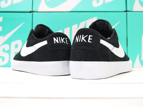 NIKE SB  BLAZER ZOOM LOW  BLACK/WHITE GUM