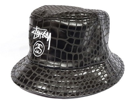 STUSSY x URBAN OUTFITTERS BUCKET HAT